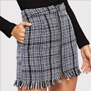 Black & white zipper front tweed mini skirt